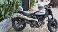Sài Gòn: Cho người mua xe chạy thử, Biker người nước ngoài mất Ducati Scrambler trị giá cả trăm triệu đồng