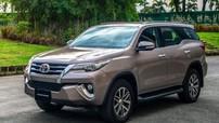 """Tiến về mùa sắm ô tô cuối năm, đại lý """"bạo tay"""" nâng ưu đãi cho Toyota Fortuner lên 155 triệu đồng"""