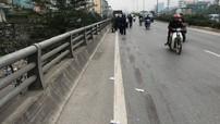Tài xế lái xe bán tải va quệt với xe máy khiến cháu bé tử vong tại Hà Nội đã ra công an trình diện