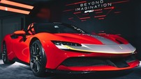 """Siêu phẩm hybrid Ferrari SF90 Stradale lần đầu đến Hồng Kông với giá """"thách cưới"""" hơn 22 tỷ đồng"""