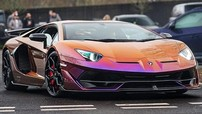 Màu sơn hơn 1,5 tỷ đồng của chiếc Lamborghini Aventador SVJ này là lựa chọn hoàn hảo giữa cam và tím