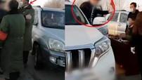 Cảnh sát bắt giữ người đàn ông thoá mạ nhân viên kiểm dịch virus corona ở Trung Quốc