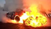 Chứng kiến siêu xe Lamborghini Huracan trình diễn drift, đâm vào rào, rồi bốc cháy mãnh liệt