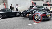 Tai nạn liên hoàn của 5 chiếc ô tô trên đường phố khiến siêu xe Audi R8 và xe Porsche thiệt hại nặng
