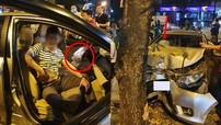 Hà Nội: Toyota Vios nát bét đầu xe sau khi tông vào gốc cây, túi khí nổ, tài xế bị nghi say rượu