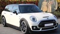 Khám phá xe Mini Clubman S vận chuyển nhóm nhà giàu đến Hội An giả ăn xin