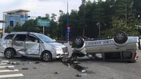 Bình Dương: Xe SUV va chạm với Toyota Innova rồi cả hai cùng lật, 7 người bị thương