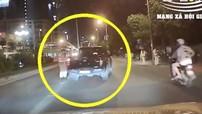 """Video: Chạy vào làn BRT bị CSGT yêu cầu dừng xe, tài xế đánh lái cho xe bán tải """"thông chốt"""""""