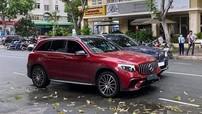 Lộ video vụ va chạm giữa xe BMW và Mercedes-Benz do nữ lái khiến cư dân mạng tranh cãi gay gắt