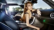 """Thưởng thức bộ ảnh tuyệt đẹp của """"nữ thần xe sang"""" bên chiếc Mercedes-Benz SLSAMG"""