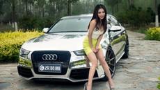 Vương Đóa Đóa tạo dáng đáng yêu, nhí nhảnh bên Audi A5 mạ bạc toàn thân