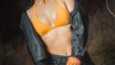 Đập tan cái nóng mùa hè bằng bộ ảnh mát mẻ của thiếu nữ bên BMW R nineT