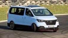 HyundaiiMax N Drift Bus - Xe van 8 chỗ, 402 mã lực biết drift và đốt lốp trên đường đua