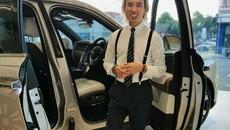 Doanh nhân Việt tậu xe Rolls-Royce Cullinan có bầu trời sao được lấy từ chính ngày sinh của mình