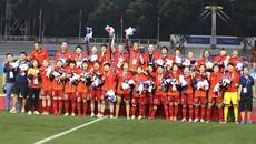 Vô địch SEA Games lần thứ 6, đội tuyển bóng đá nữ Việt Nam được tăng ô tô VinFast Lux A2.0 và xe máy điện VinFast Klara
