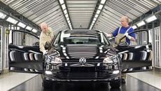 """Không thể sản xuất ô tô vì dịch Covid-19, Volkswagen vẫn """"đốt"""" khoảng 2,2 tỷ USD mỗi tuần"""