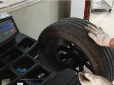 Nguyên nhân ôtô rung bần bật sau vá lốp