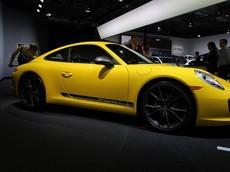 Thành viên mới trong gia đình Porsche 911 chính thức trình làng, giá 2,3 tỷ đồng