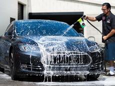 Mẹo giữ xe sạch dành cho... người lười