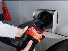 Bó tay với anh chàng đổ 2 lít Coca-Cola vào bình xăng BMW để thử nghiệm... cho vui