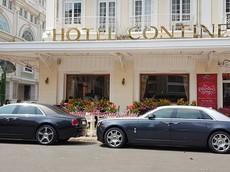 Cặp đôi Rolls-Royce Ghost của đại gia Sài thành dạo chơi 30 Tết
