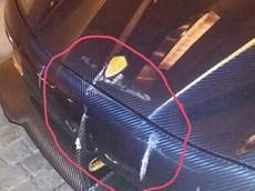 Nhân viên khách sạn lái Koenigsegg Agera RS Naraya đâm vào đuôi xe Lamborghini Aventador SV