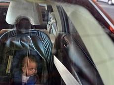 Thêm một trẻ nhỏ tử vong trong xe hơi do bị mẹ bỏ quên