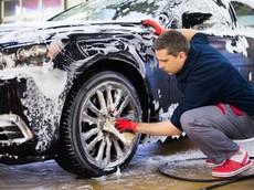 Rửa xe ô tô tưởng dễ nhưng lại khó
