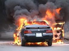 Cảnh báo nguy cơ cháy nổ xe ô tô, xe máy