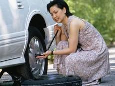 8 cách sửa chữa xe ô tô đơn giản mà tài xế nào cũng nên biết
