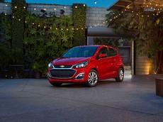 Chevrolet giới thiệu Spark 2019 với camera lùi và 10 túi khí tiêu chuẩn