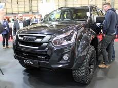Isuzu D-Max Arctic Trucks Stealth - Xe bán tải dành cho Người Dơi