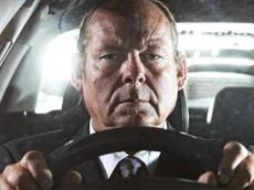 """Đây là tài xế xe sang chuyên nghiệp """"cứng"""" nhất trên thế giới"""