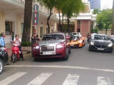 """Rolls-Royce Ghost mang biển kiểm soát Huế xuất hiện cùng dàn siêu xe """"khủng"""" tại Sài thành"""
