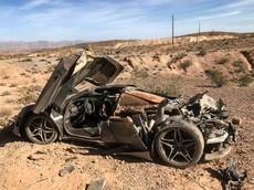 McLaren 720S bị phá huỷ hoàn toàn sau tai nạn tại sa mạc ở Mỹ