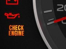 Đèn check engine bật lên là báo lỗi gì?