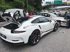 """Nếu không có camera hành trình, vụ tai nạn này rất có thể biến siêu xe Porsche 911 GT3 RS thành """"thủ phạm"""""""