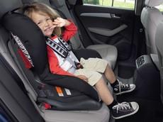 Vị trí ngồi trên xe ô tô an toàn nhất cho trẻ