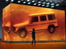 """""""Khối Hổ Phách Mercedes G-Class"""" nặng 52 tấn đã được làm như thế này"""