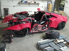 """Hư hỏng nghiêm trọng, chủ nhân rao bán """"xác"""" siêu xe Lamborghini Huracan"""