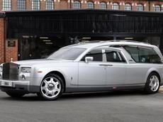 """Rolls-Royce Phantom cũ của """"ông hoàng giải trí nước Anh"""" được biến thành xe tang sang trọng"""