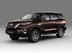 Toyota giới thiệu Fortuner 2018 tại Việt Nam, thêm 2 bản máy dầu, số tự động mới