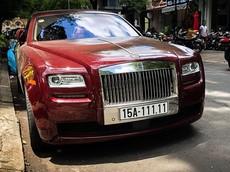 """Rolls-Royce Ghost biển """"ngũ quý"""" 1 bất ngờ tái xuất tại Sài thành cùng Ferrari 458 Italia"""