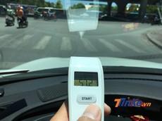 Xe ô tô sẽ nóng như thế nào khi di chuyển trong ngày nắng đỉnh điểm?