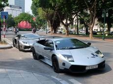 Cô dâu chú rể may mắn chụp ảnh cưới cùng bộ đôi siêu xe Lamborghini của chủ tịch Trung Nguyên