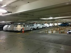 450 chiếc xe sang BMW trị giá 14,4 triệu USD bị hỏng vì bão cát