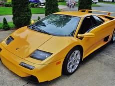"""""""Lamborghini Diablo 2001"""" rao bán với giá bèo"""