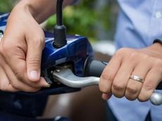 Công dụng bất ngờ của các chi tiết nhỏ trên xe máy