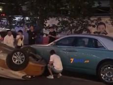 """Rolls-Royce Ghost bị dính vào vụ tai nạn liên hoàn, lại có người sắp phải """"bán nhà đi mà đền"""""""