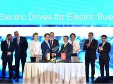 VinFast và Siemens ký hợp đồng hợp tác sản xuất xe buýt điện